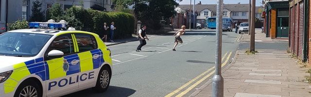 07 07 18 - suspect chased across Poulton Road